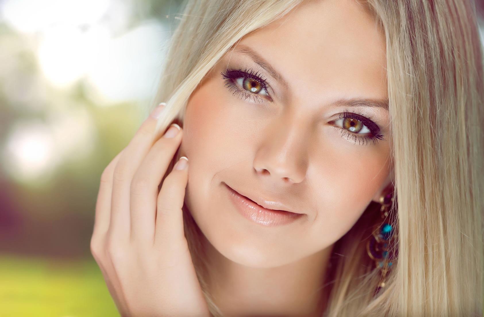 Фото молодой девушки лицо